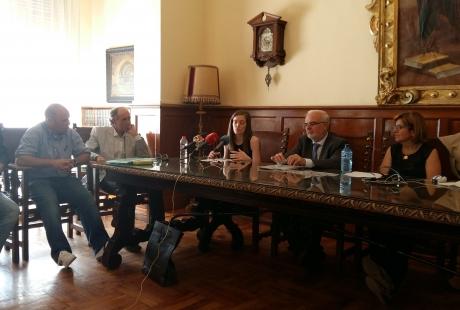 Momento de la presentación en Huesca del programa Rosario Ustáriz