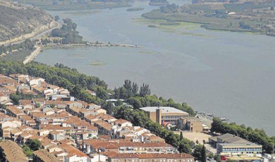 En Mequinenza, el río Segre y el Ebro hacen de frontera con la comunidad de Cataluña. - EL PERIÓDICO / LA INTERSECTORIAL