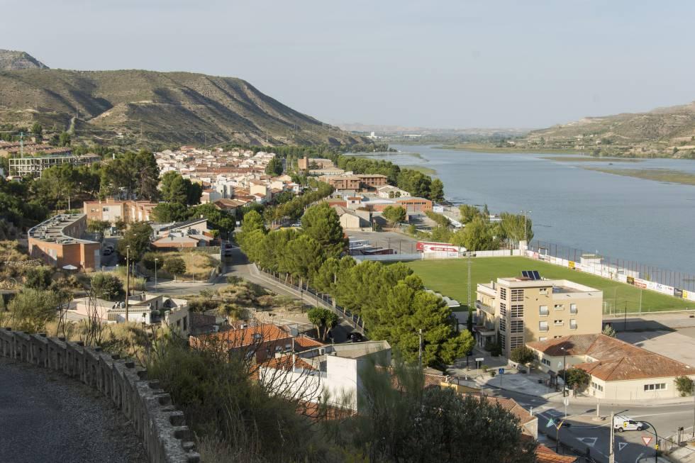 Frontera entre ambas Comunidades: a un lado Mequinenza (Aragón); al otro, la provincia de Lleida.
